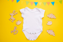 Mockup Flat Lay A White Baby S...