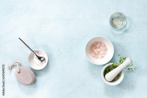 Poster Spa Natural spa cosmetic ingredients, overhead view