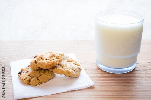 Tuinposter Koekjes Cookies and milk
