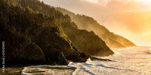 Fototapeta Golden hour over the Oregon Coastline obraz