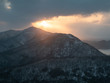 山の日の出