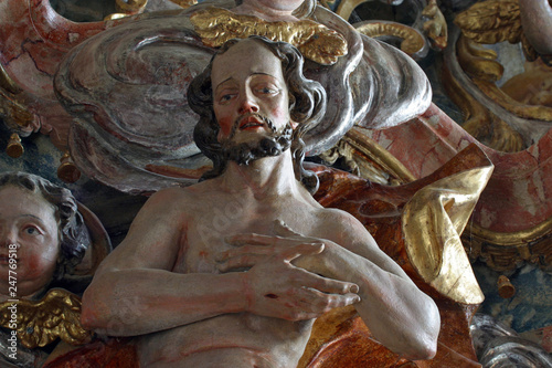 Fototapety, obrazy: Statue of Jesus with crossed hands