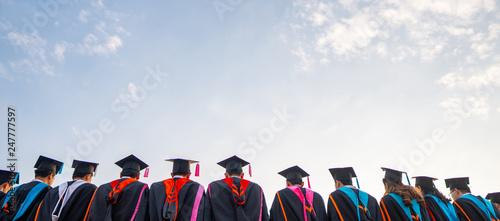 Stampa su Tela Graduates wear black hats, black hats