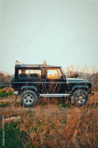 Photo  Land Rover Sunset