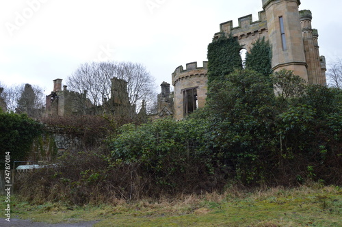 Photographie The striking ruins of Crawford Priory, Springfield, Cupar, Fife, extended in early 19th century