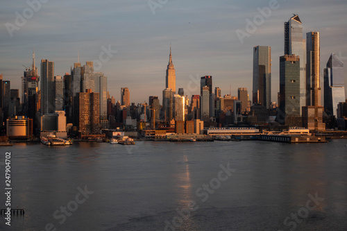 Foto op Aluminium Shanghai Manhattan Golden Hour Empire State Building
