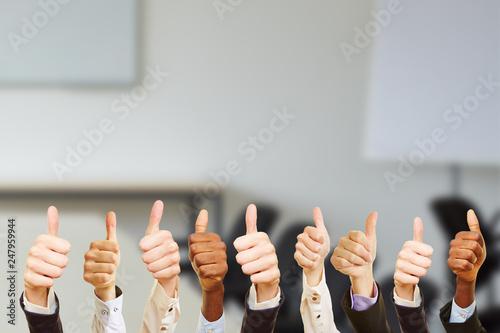 Photo Business Team mit gefällt mir Zeichen