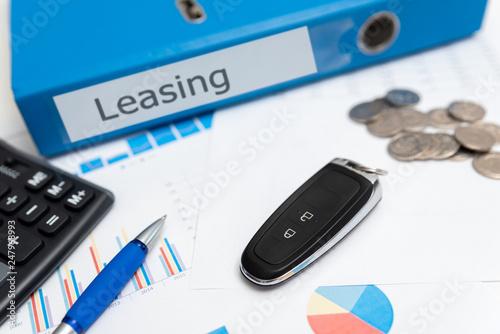 Cuadros en Lienzo Car leasing concept, car keys, remote control