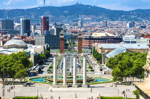 Türaufkleber Barcelona View on Placa Espanya and Montjuic Hill with National Art Museum of Catalonia