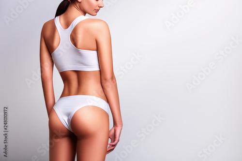 Fotografia Woman in underwear view from behind