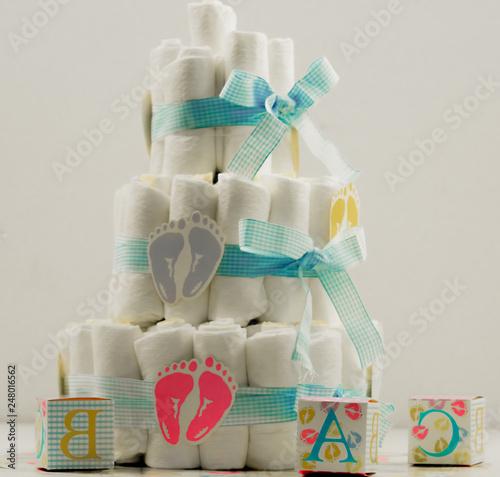 Fototapeta Baby shower baby shower cake tort ciasto diapers new born noworodek prezent obraz
