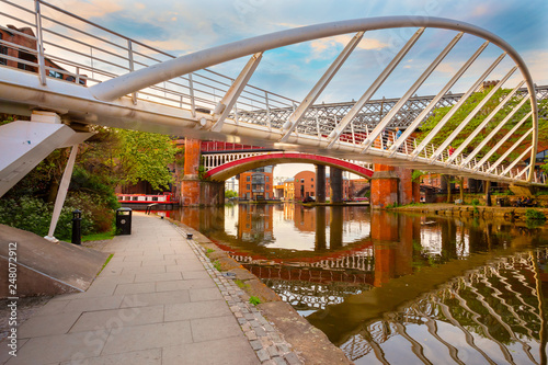 Fotografiet  Castlefield is an inner city conservation area in Manchester, UK