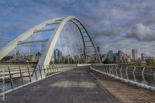 Spoed Fotobehang Bruggen Summertime Walterdale Bridge
