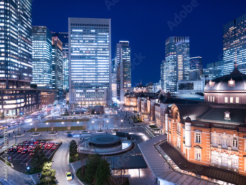 Poster Oceanië 東京駅丸の内口と高層ビル街