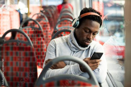Türaufkleber London roten bus Man riding the bus alone