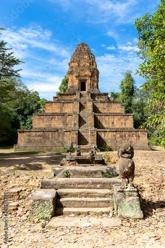 Foto  Baksei Chamkrong Temple, Angkor, Siem Reap, Cambodia, Asia