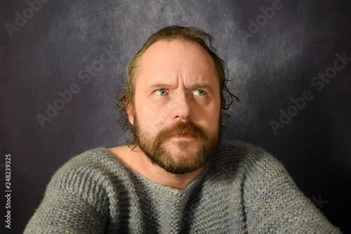 Fotografía  Mustache man 40-50 years old look strictly
