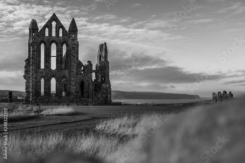 Poster Taupe Whitby Abbey shot in black and white