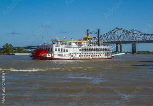 Valokuva Creole Queen steamboat on Mississippi River in New Orleans, Louisiana