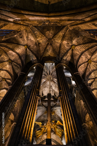 Fototapeta  Columns and arches inside Barcelona gothic Cathedral