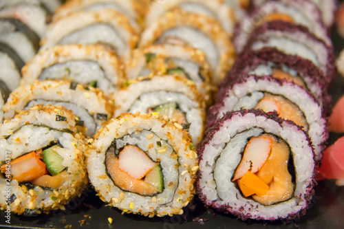 Photo  sushi roll on buffet in japanes restaurant