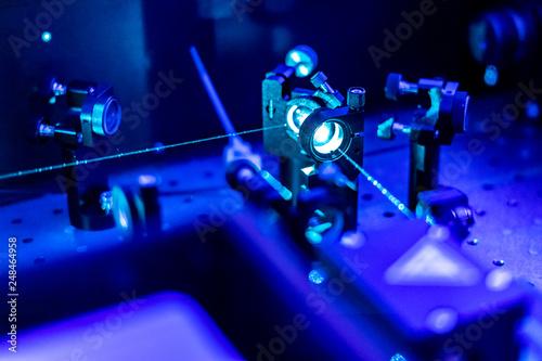 laser reflect on optic table un quantum laboratory b Canvas-taulu