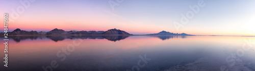 Fototapeta Bonneville Salt Flats at dawn obraz na płótnie