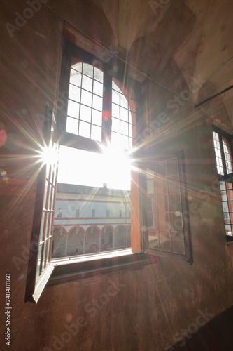 Fotografie, Obraz  Luce del sole dalla finestra