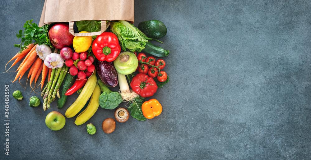 Fototapety, obrazy: Shopping bag full of fresh vegetables and fruits