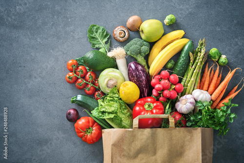 Fotobehang Keuken Shopping bag full of fresh vegetables and fruits