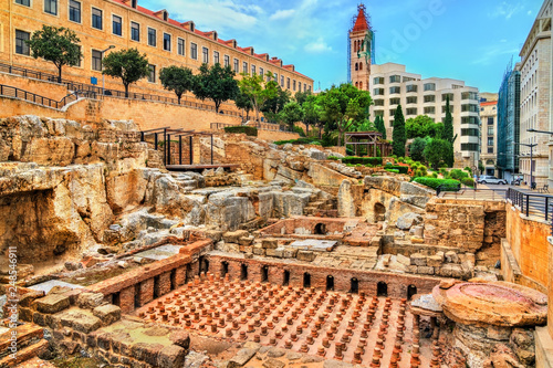 Ruins of the Roman Baths in Beirut, Lebanon Fototapet