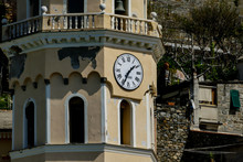 Clock On Old Building, In Cinq...
