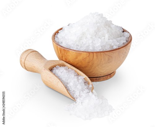 Sea salt crystals in a wooden bowl isolated on white Fototapet