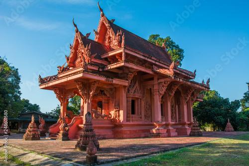 Fotografia  Red clay Temple - Wat Sila Ngu on Koh Samui island, Thailand
