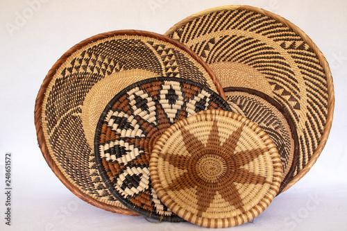 Fotografiet  african grass baskets