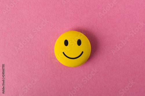 Fotografía Funny smiley face on pink background