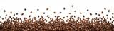 Granicy panoramiczne ziarna kawy na białym tle na białym tle z miejsca na kopię