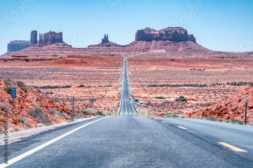 In de dag Route 66 Road to amazing Monument Valley, Arizona