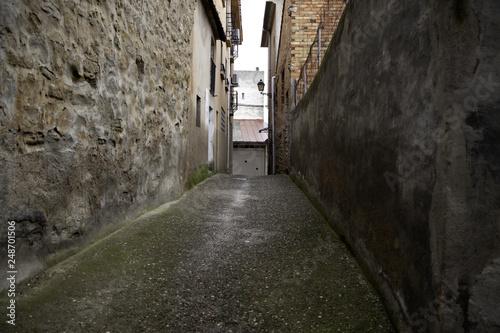 Fototapeten Schmale Gasse Perspective of street