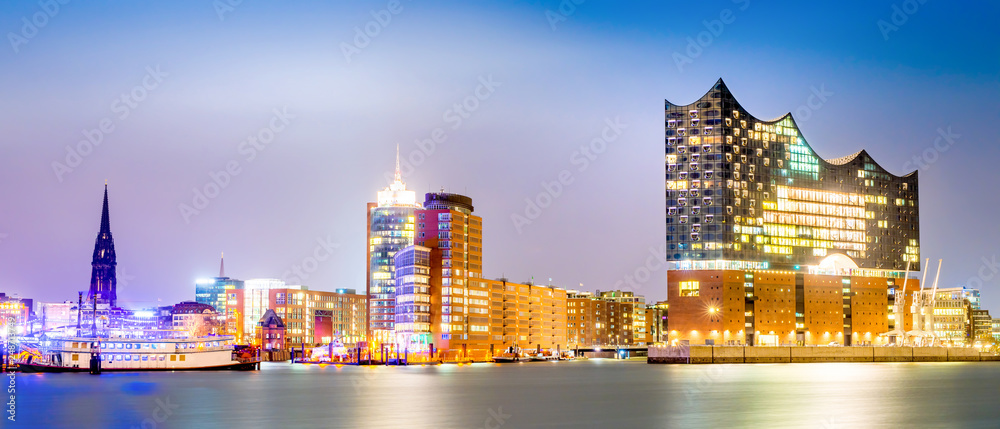 Fototapety, obrazy: Elbphilharmonie and Hamburg harbor at night