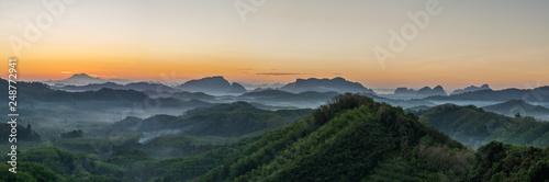 Montage in der Fensternische Landschaft Panorama Mountain view