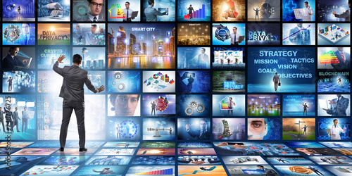 Photo  Concept of streaming video with businessman