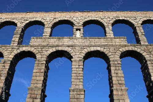 Tableau sur Toile Roman Aqueduct Segovia Spain
