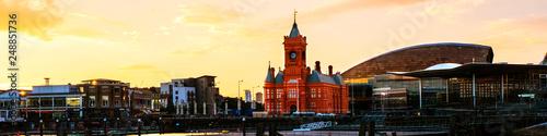 Obraz na plátně Waterfront at night in Cardiff, UK