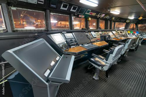 Fotografía  Ship control panel in captain's bridge