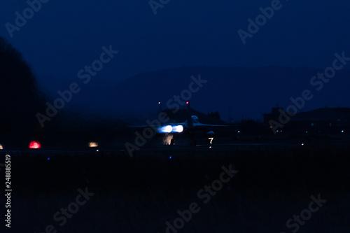 Fotografie, Obraz  アフターバーナーを使用して離陸する戦闘機