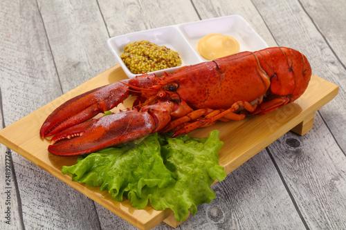 Luksusowy homar z sosem
