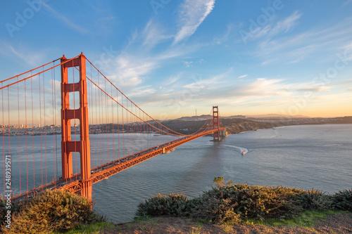 Photo The Golden Gate Bridge at Sunset