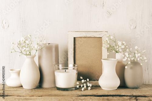 Foto  Neutral colored home decor