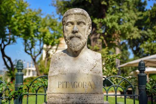 sculptural representation of Pythagoras (Pitagora), Greek philosopher and mathematician